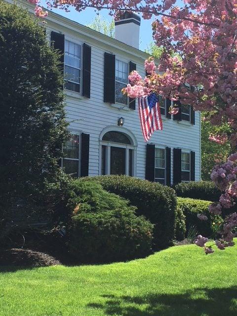 2018 FrontofInn rotated Home | Candleberry Inn