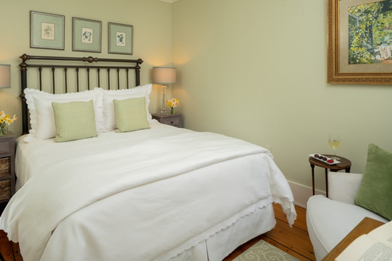 Large bed in Crickett Room - local Brewster Bed and Breakfast